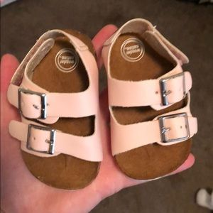 Baby sandals off brand of burks